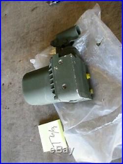 NOS Hand-Operated Hydraulic Pump for Cab/Tire Raising/Lowering, FMTV LMTV M1078